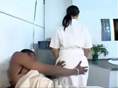 Nurse Mya G | babysitter  nurse