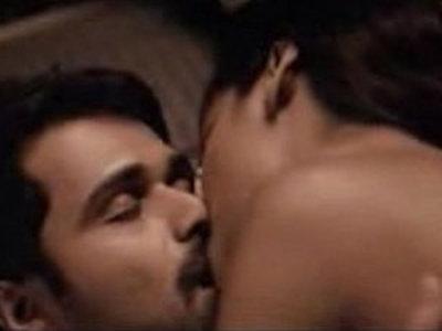 Esha Gupta kiss sex scene sex tape with Emraan Hashmi | action