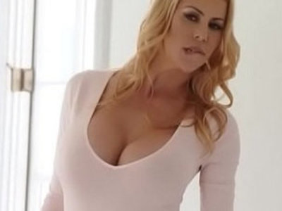 Awesome MILF Alexis Fawx squirts all over Quinn Wilde face and share cumshot | awesome  cumshots  facesitting  milf  sharing girlfriends  squirting pussy  wife  wild