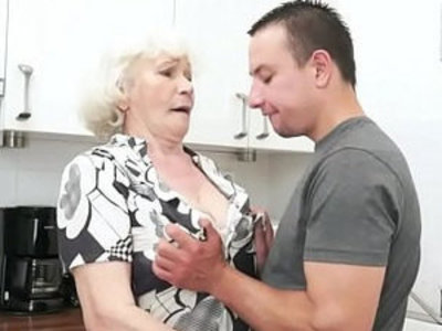 Seducing granny screwed in her hairypussy | gilf   seduction
