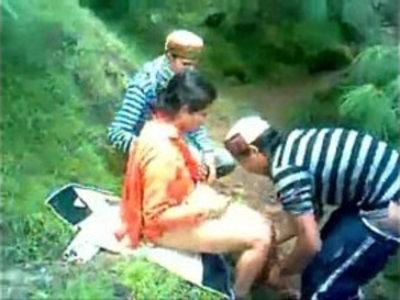 himachali shy aunty fucked outdoor secretely | aunty  outdoor  shy girls