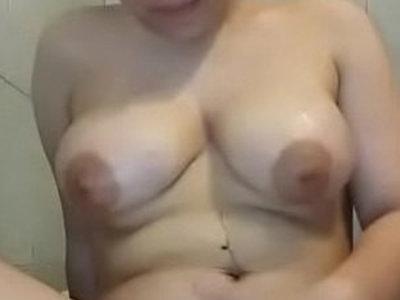 Asian Aunty Bathing NIce Body Pulphy | asian girls  aunty  bathroom