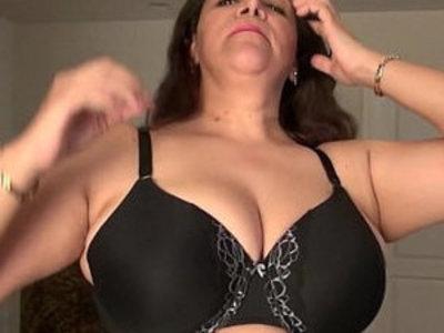 Busty milf Nicolette Parsons rubs her mature clit | busty  clits  girls  mature  milf  rubbing