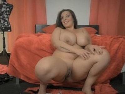 Esposa Tamanho XXL Extra Sized Wife | bbw  fat girls  latin girls  masturbation  solo  striptease  tits  wife
